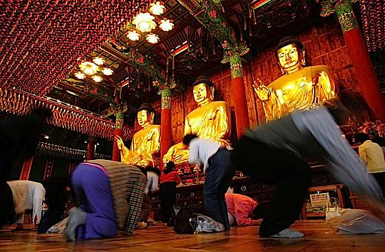 Respectful full-prostration bows are important to devout Korean Buddhists, one of the six essential practices.