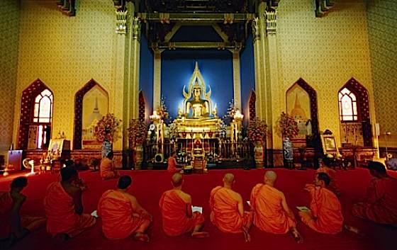 When Buddhists  pray  who are Buddhist Praying At Temple