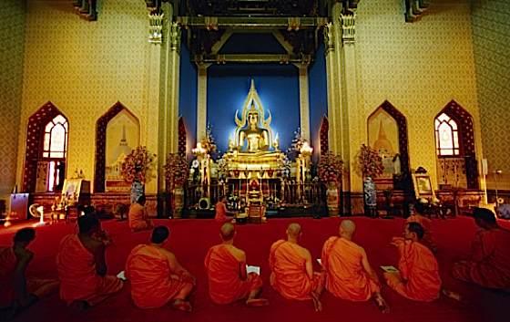 Buddha Weekly 1Monksinatemple