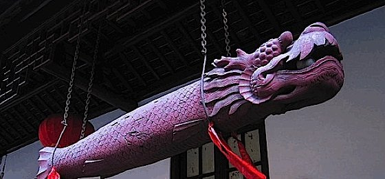 Larger fish drums are often hung outside temples.