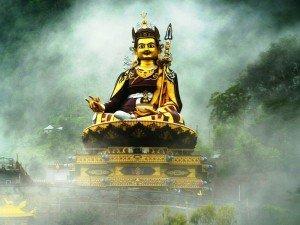 800px Guru Rinpoche in mist 2