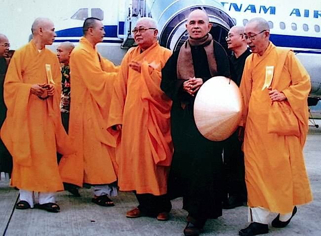 Thay on a return visit to Vietnam in 2007—always the humble monk and outspoken peace activist.