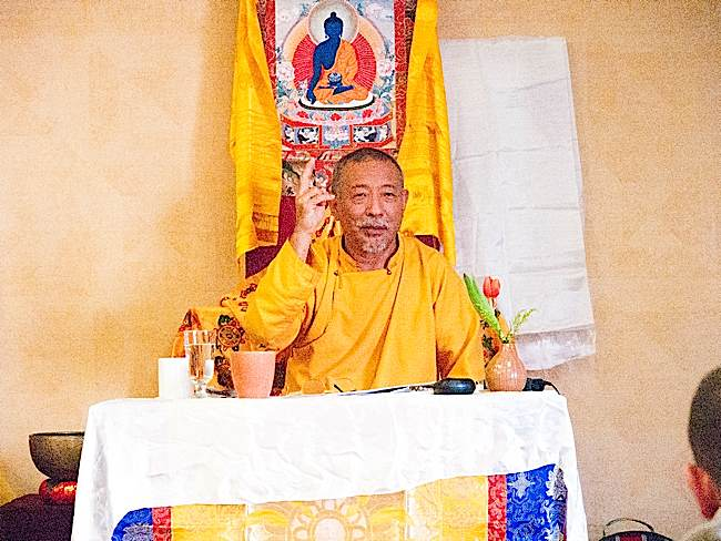 Zasep Tulku Rinpoche recently taught Mindfulness of Feelings meditation during a Mahamudra retreat in Owen Sound.