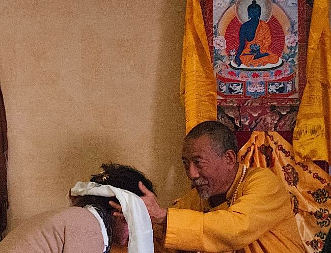 At the end of the one day retreat on Mahamudra, Rinpoche took time to speak individual with many.