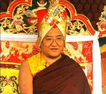 His Holiness Sakya Trizin at an initiation.