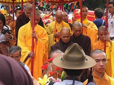 Buddha Weekly Thich Nhat Hanh in Vietnam Buddhism