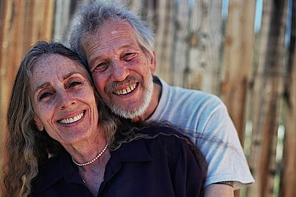 Stephen and Ondrea Levine taught extensively on the importance of meditation on dying. They wrote a book titled A Year to Live. Recently, Stephen Levine passed away.
