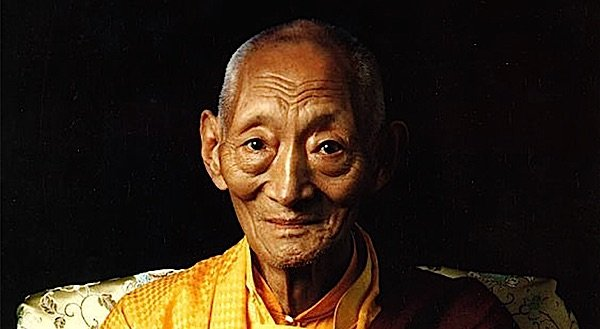 Kalu Rinpoche taught at Gaden Choling.