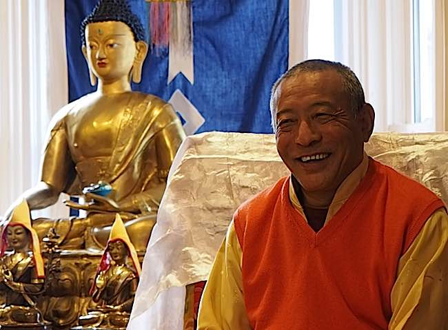 Zasep Tulku Rinpoche teaching at Gaden Choling on Ngondro, spoke at length about the healing benefits of Black Manjushri and Medicine Buddha.