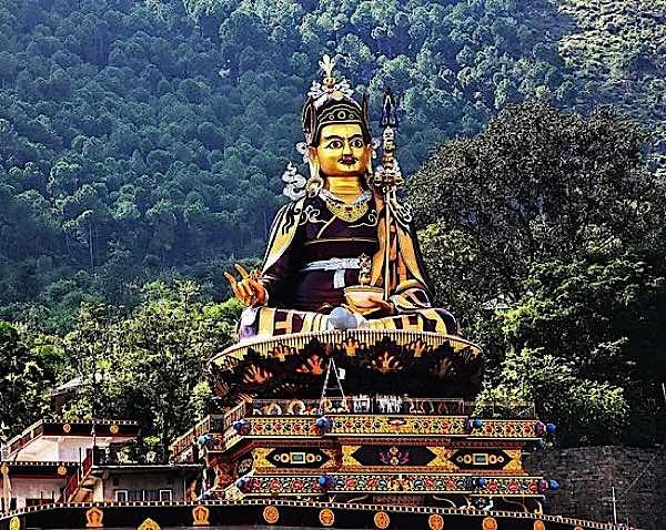 buddha-weekly-guru-rinpoche-statue-buddhism