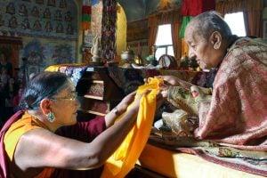 Sakya Trizin offers Kata to H H  Jigdal Dagchen Sakya