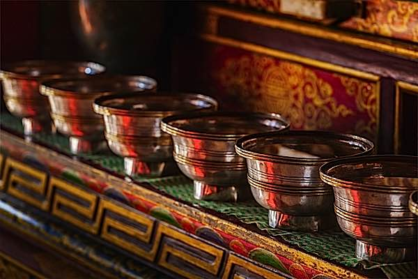 Buddha Weekly Tibetan Buddhist water bowl offering Buddhism