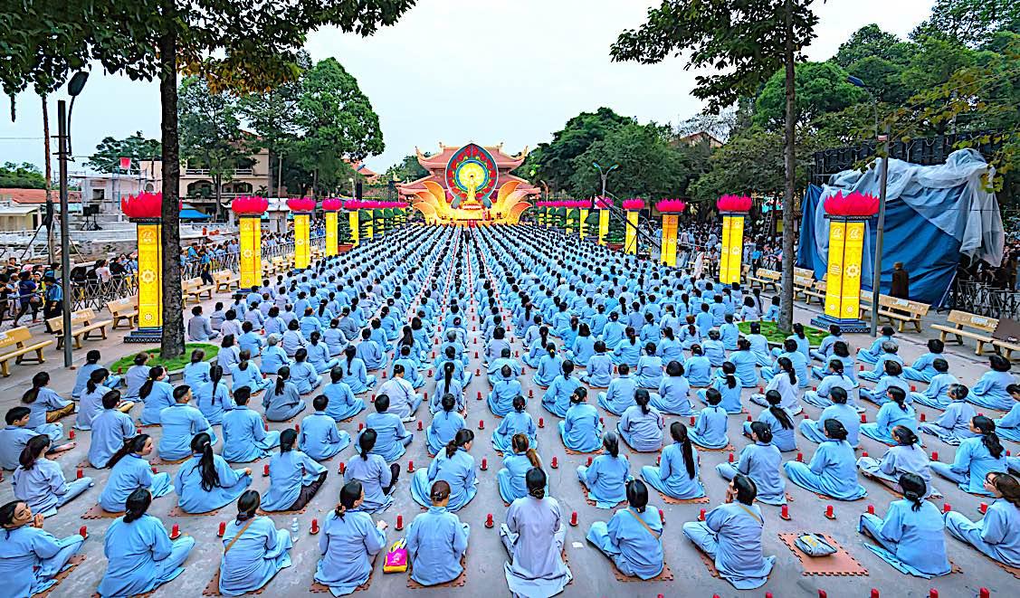 Buddha Weekly Amitabha night ceremony Ho Chi Minh City Vietnam Buddhism