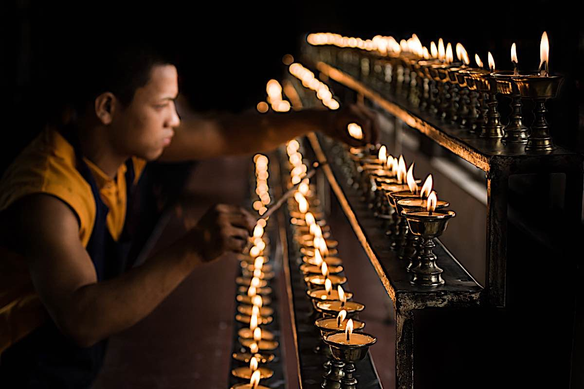 Buddha Weekly Butter Lamps monk in temple Buddhism