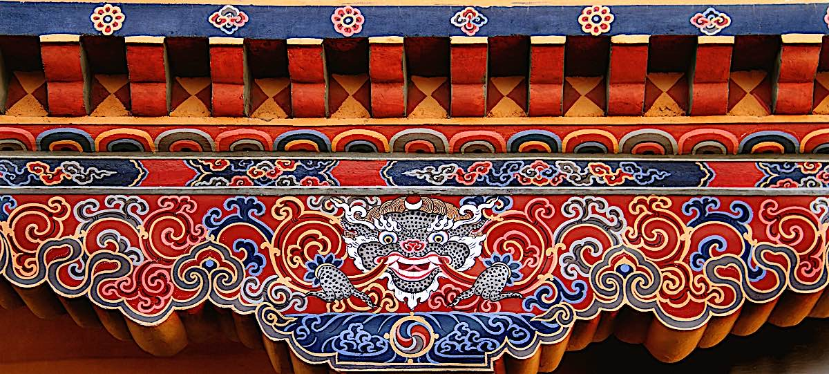 Buddha Weekly Colourful Bhutanese Tibetan Dragon on Temple Buddhism