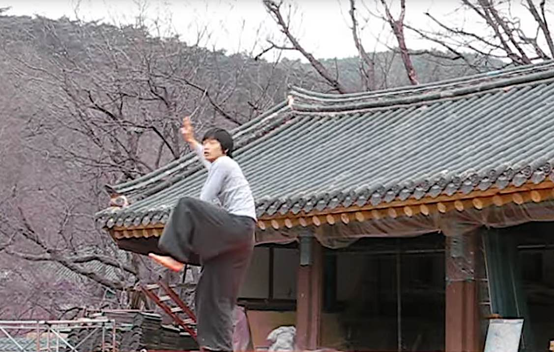 Buddha Weekly Korean martial arts in a temple Buddhism