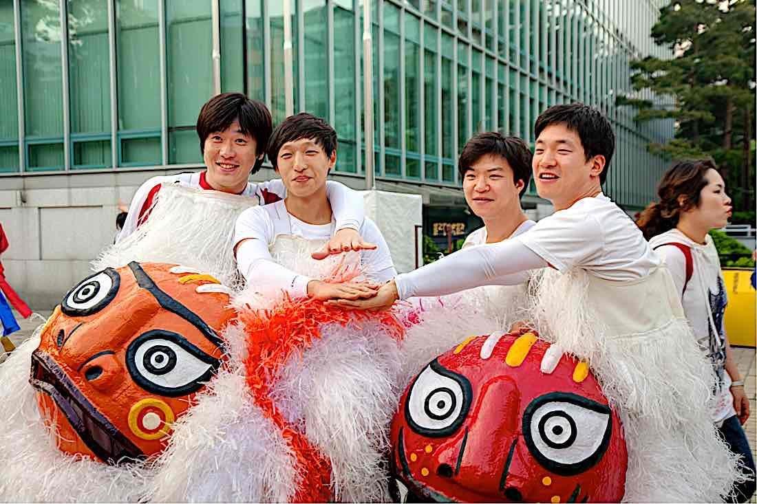 Buddha Weekly Korean youth celebrate Lotus Latern Festival 2013 Buddhism