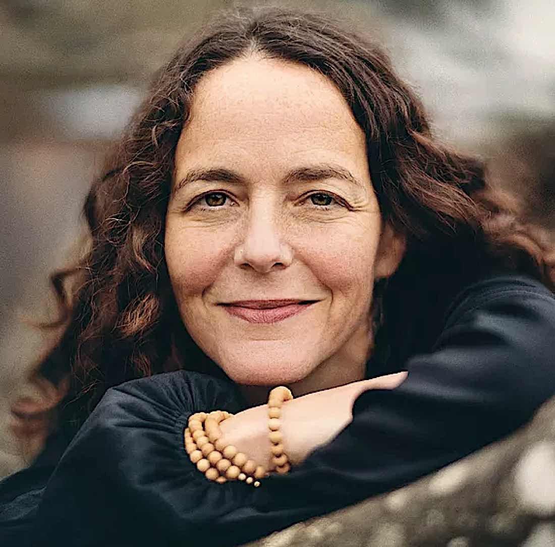 Buddha Weekly Lisa Zen Minister mindfulness instructor author Buddhism