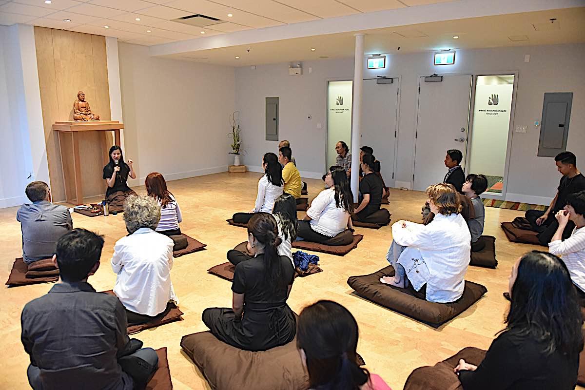 Buddha Weekly Rebecca Li Photo Teaching 2 Buddhism