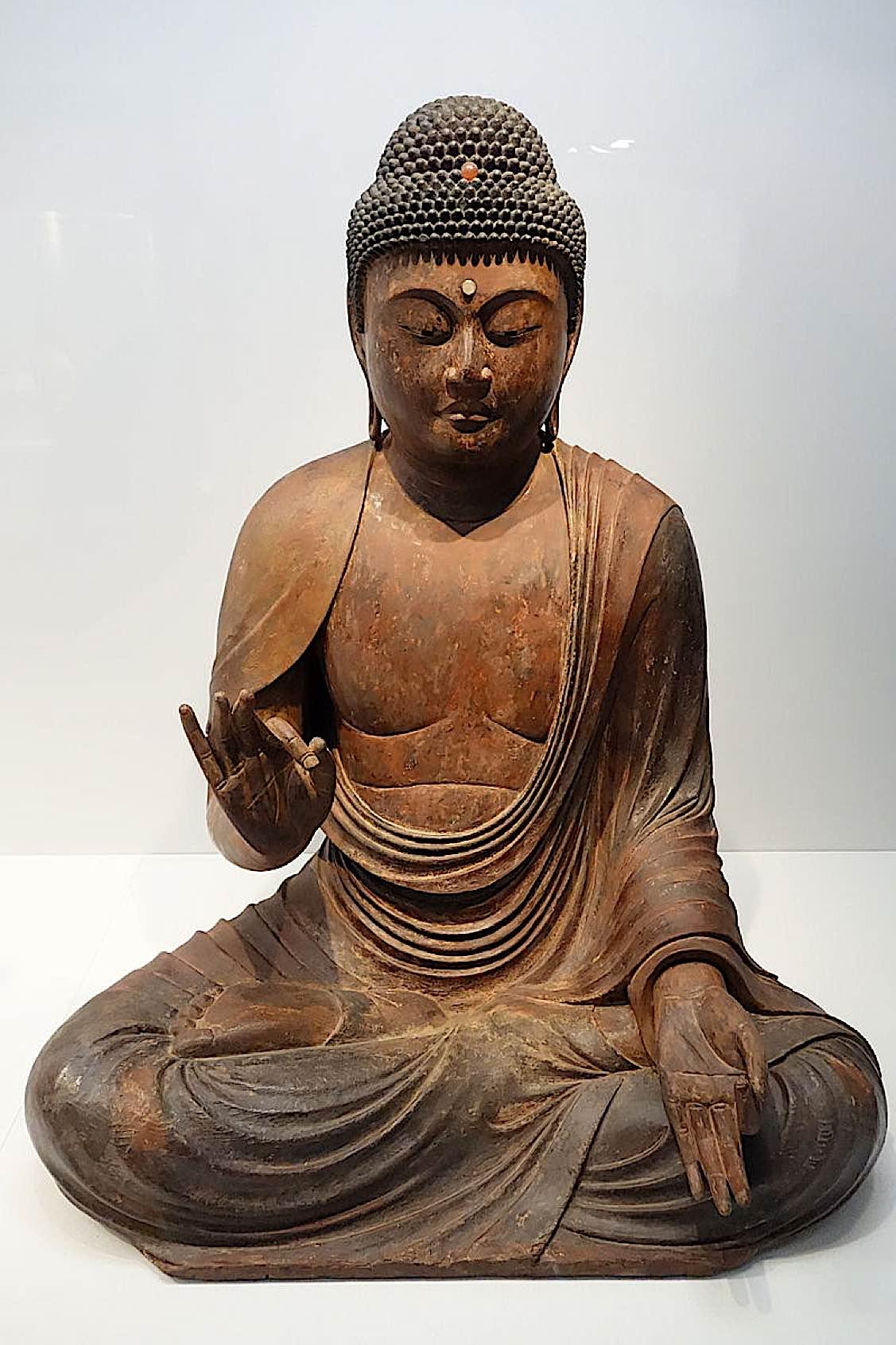 Buddha Weekly Seated Amida Nyorai Amitabha Kamakura period 12th 13th century wood with gold leaf and inlaid crystal eyes Tokyo National Museum DSC05345 Buddhism