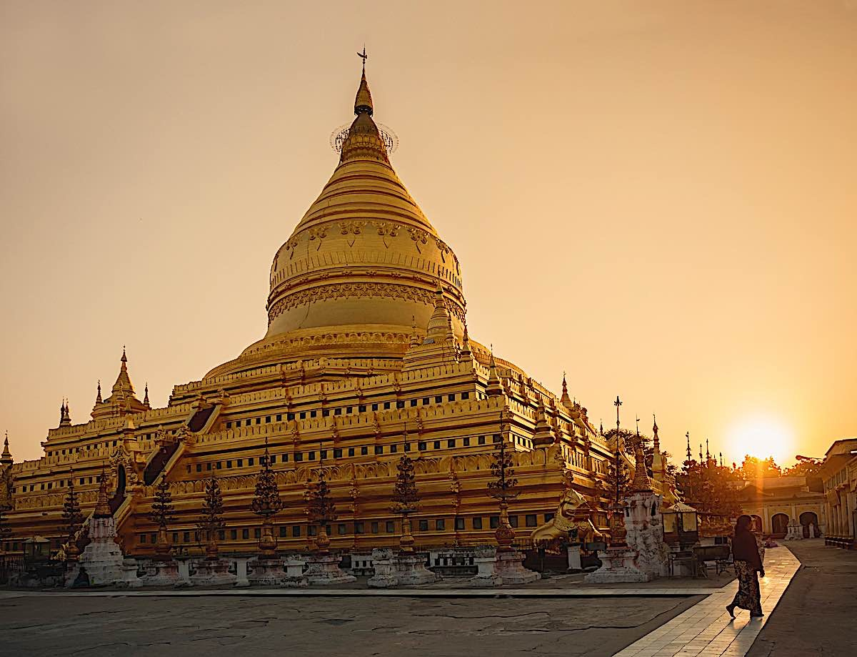 Buddha Weekly Shwezigon Paya pagoda Temple Bagan Myanmar 139164050 Buddhism