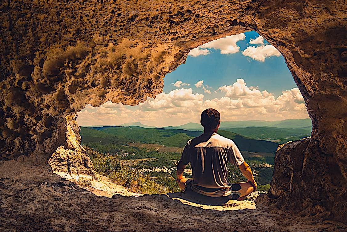 Buddha Weekly Solitary meditation in cave buddhist lotus seat Buddhism