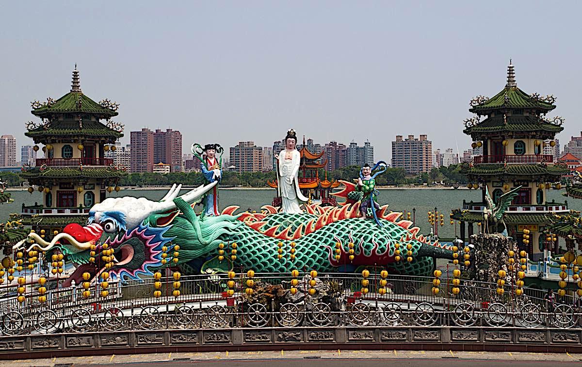 Buddha Weekly Spring and Fall Pavillian Pagoda in Kaohsiung Taiwan Guanyin dragon dragon girl dreamstime xxl 27422671 Buddhism