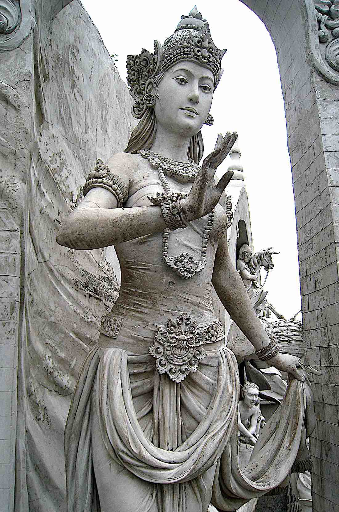 Buddha Weekly Statue of Goddess or Queen at Monas Buddhism