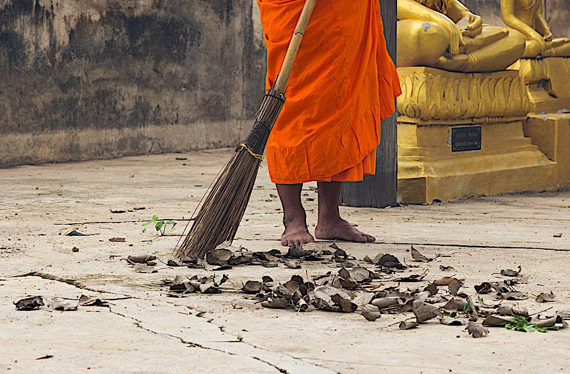 Buddha Weekly Sweeping temple monk meditiation Buddhism