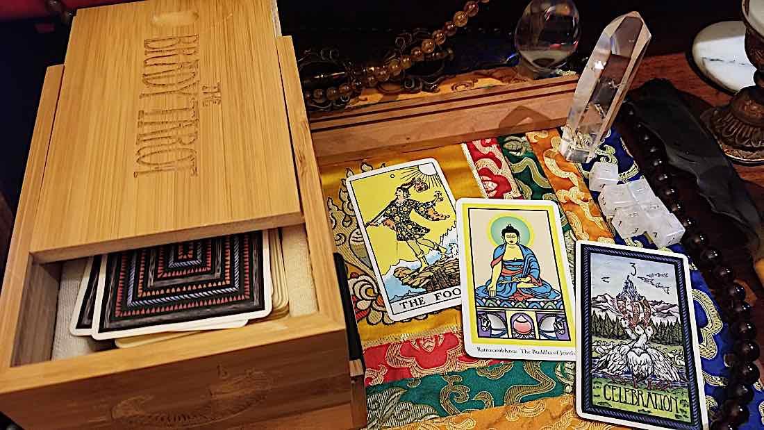 Buddha Weekly Tarot Smith Waite Buddha Tarot by Robert Place and Brady Tarot Buddhism