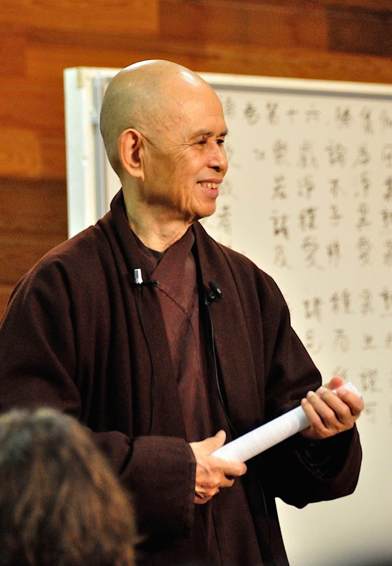 Buddha Weekly Thiay Thich Nhat Hanh teaching Photo Plum Village Buddhism