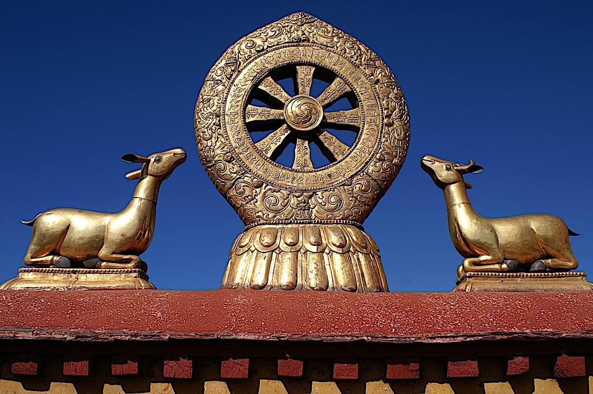 Buddha Weekly Wheel of Dharma represents the 8 fold path Buddhism