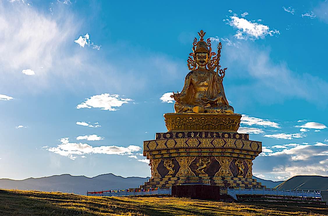 Buddha Weekly Yaqing temple Baiyu coutny of Ganzi Tibet Buddhism