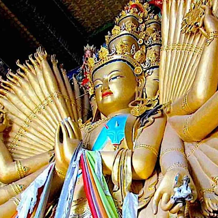 Among the most iconic forms of the great Bodhisattva Avalokiteshvara is the 1000-Armed form, symbolic of the countless rescuing hands of compassion.