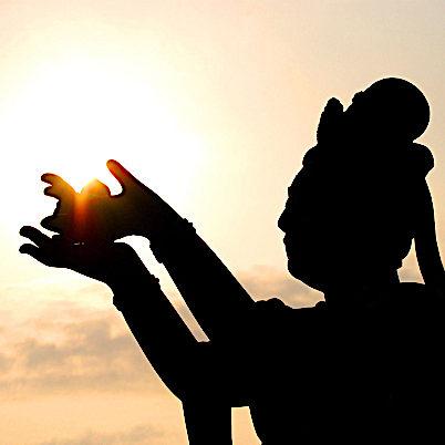 Buddha-Weekly-Bodhisattva Guanyin with sunshine-Buddhism