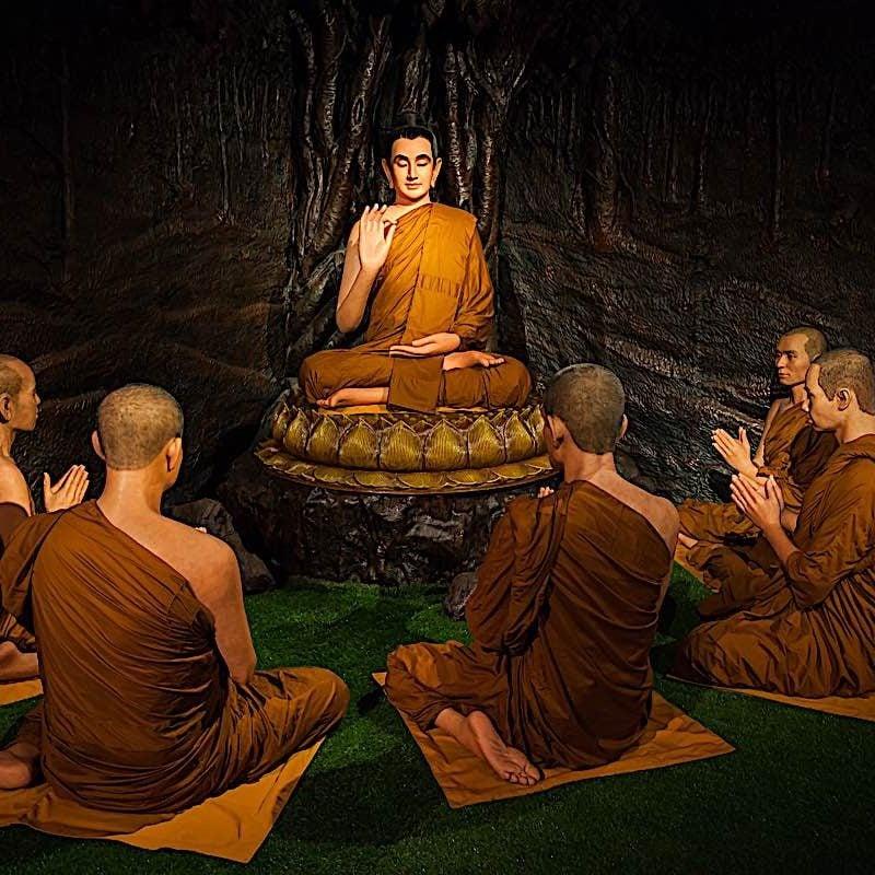 Shakyamuni Buddha teaching.
