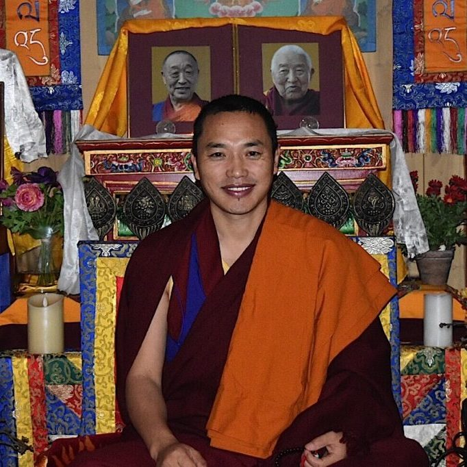 Buddha-Weekly-Chaphur Rinpoche in front of teachers and Dalai Lama-Buddhism