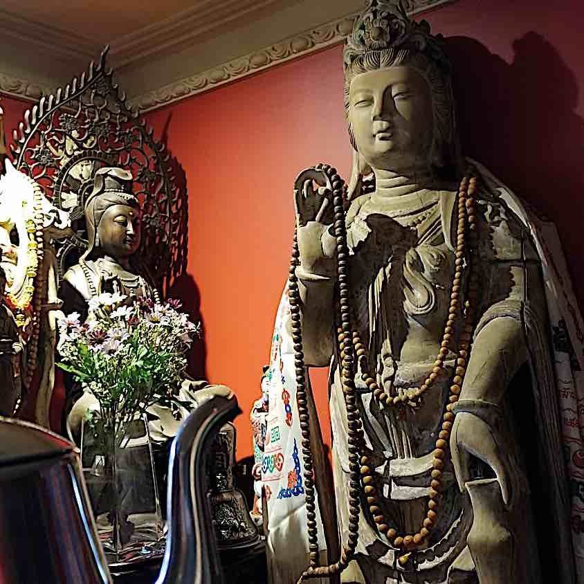 Making a tea offering to Guanyin.