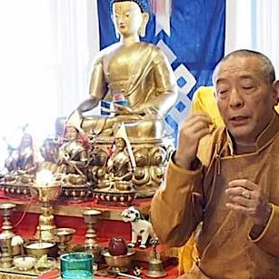 Zasep Rinpoche answers a student's question on mantra.